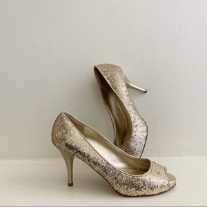 Guess Sequin Gold Peep Toe Heels Size 8.5